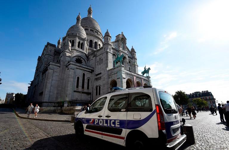 В Париже запустили патруль для защиты от карманников