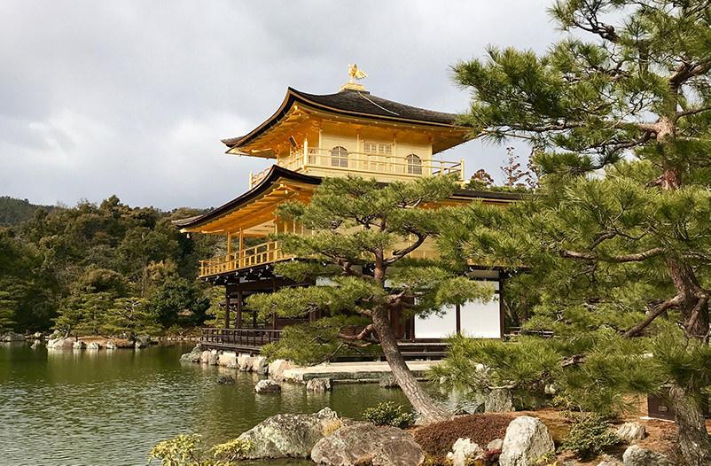 В Японии можно будет забронировать комнату в храме