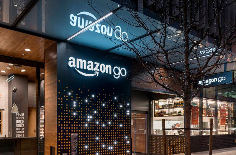 Amazon откроет больше магазинов без касс