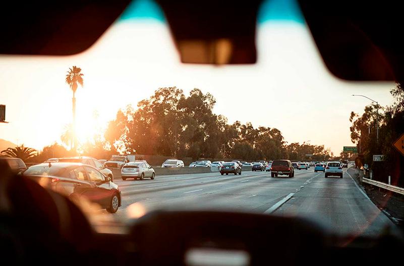 Названы города, где Uber дешевле поездки на собственном авто