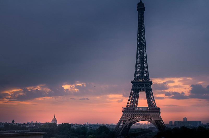 Эйфелева башня была закрыта из-за больших очередей