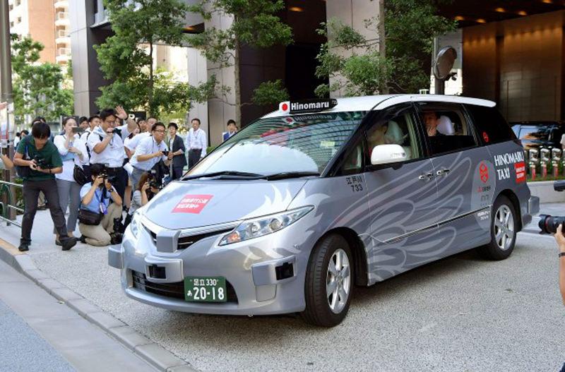 На улицах Токио запустили беспилотное такси