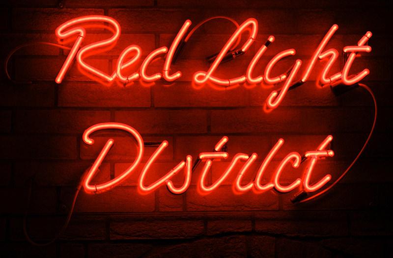 Улицы квартала красных фонарей в Амстердаме закрыли для туристов