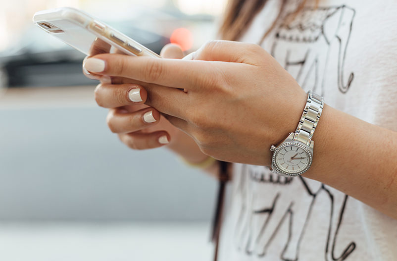 В школах Франции запретили смартфоны и ноутбуки