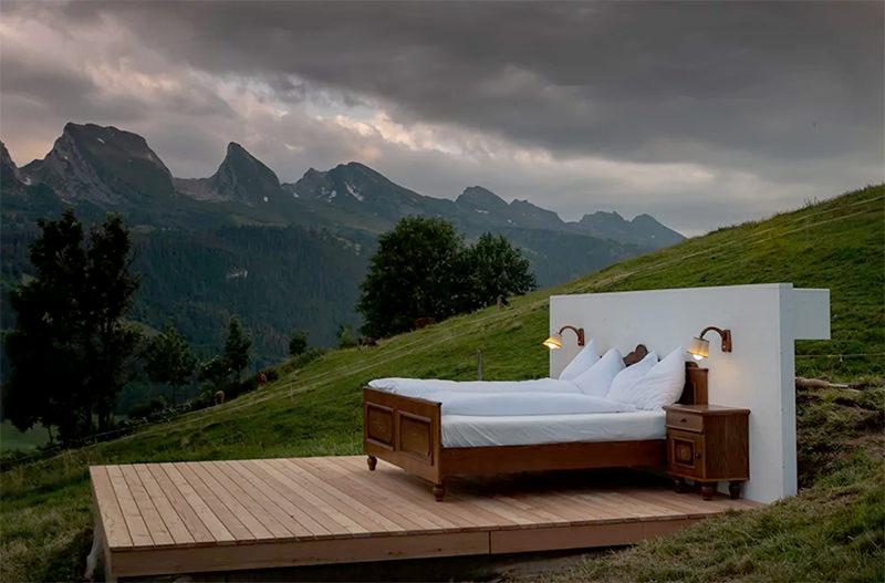 В Швейцарии открылся отель без стен и крыши