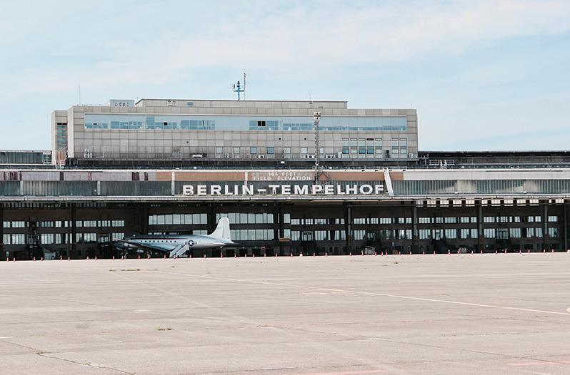 В старом аэропорту Берлина пройдёт ярмарка современного искусства