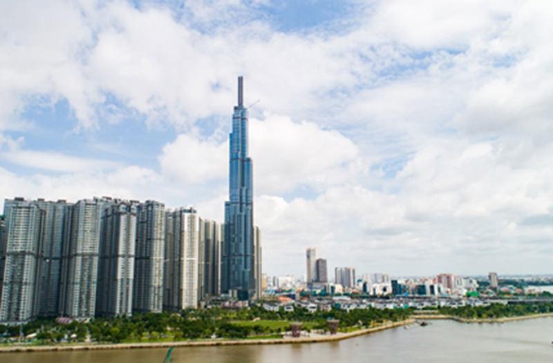 Во Вьетнаме достроили самый высокий небоскрёб Юго-Восточной Азии
