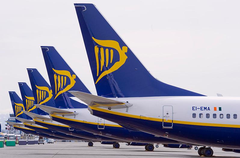 Ryanair анонсировал 17 новых маршрутов из Польши