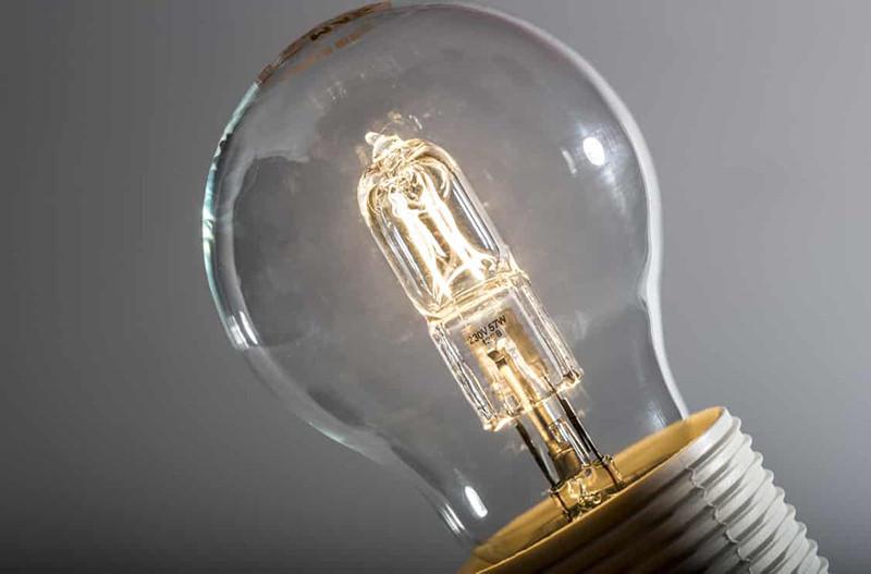 В Европе запретили галогенные лампочки