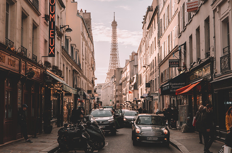 В Париже будут ограничивать движение автомобилей на один день каждый месяц