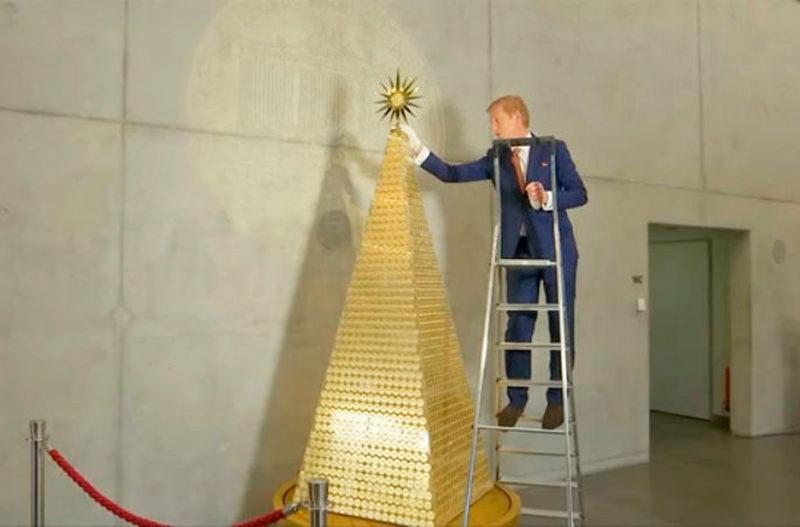 В Мюнхене установили рождественскую ёлку за 2,3 миллиона евро