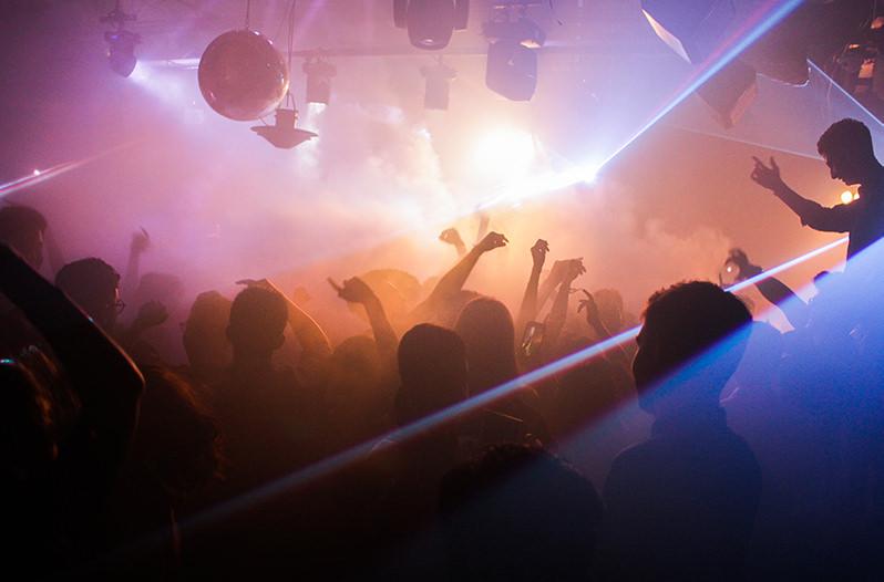 Власти Берлина избавят горожан от шума ночных клубов