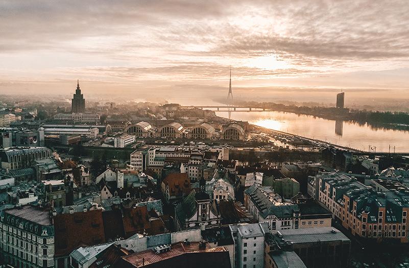 Украинцы смогут путешествовать в страны Балтии по ID-паспорту