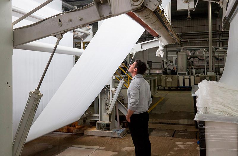 IKEA разрабатывает шторы, которые очищаются светом