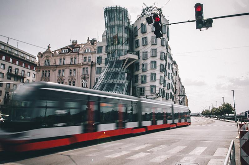 Общественный транспорт в Праге сделают бесплатным