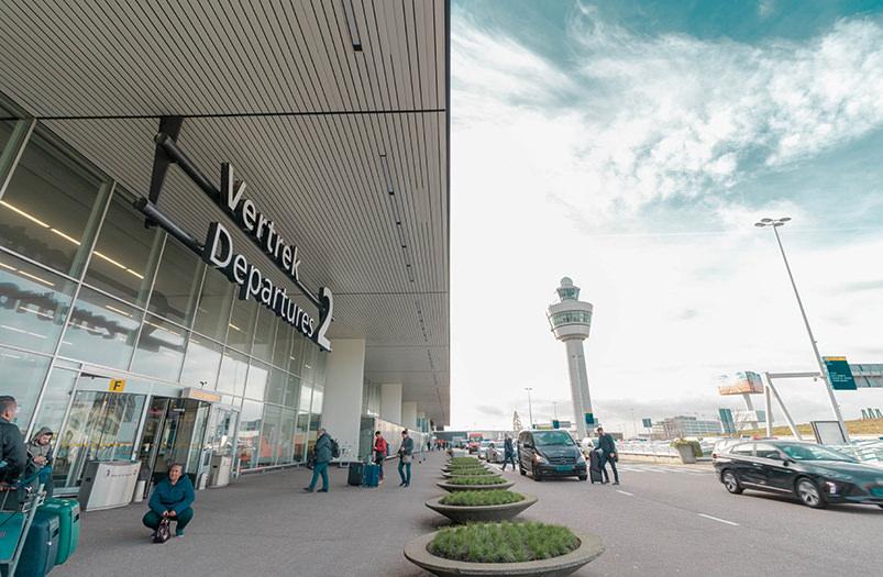 В аэропорту Амстердама проводят посадку через распознавание лиц