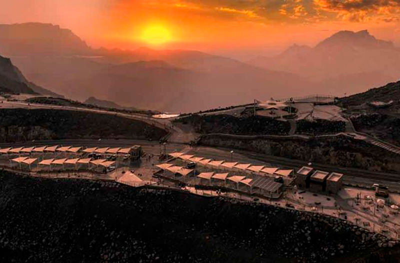 На самой высокой горе ОАЭ откроется элитный кемпинг