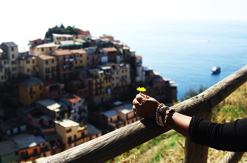 В итальянском Чинкве-Терре запретили носить шлёпанцы
