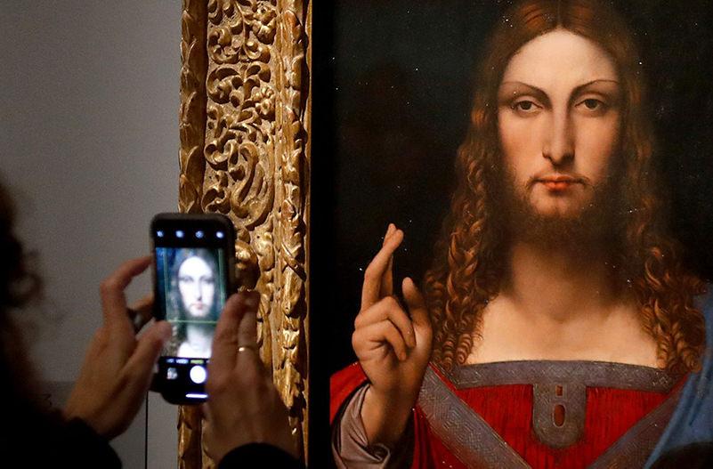 В Лувре проходит крупнейшая выставка работ Да Винчи