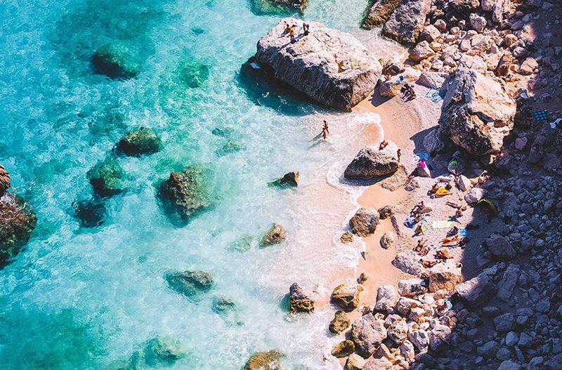 На Сардинии задержали очередного туриста с краденным песком