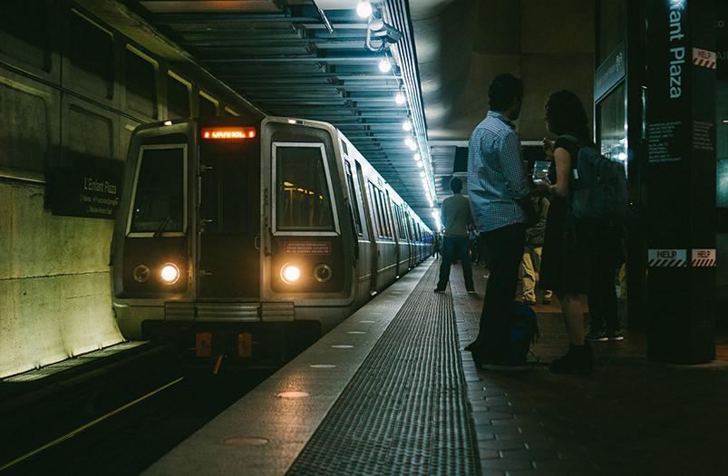 Метро Вашингтона будет продавать права на название станций