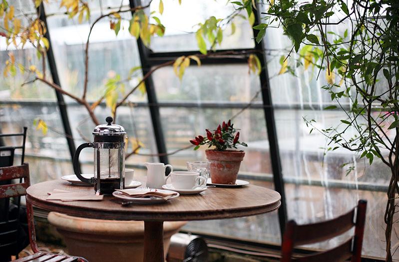 Согласно исследованию, миллениалы тратят в кафе в 3 раза больше их родителей