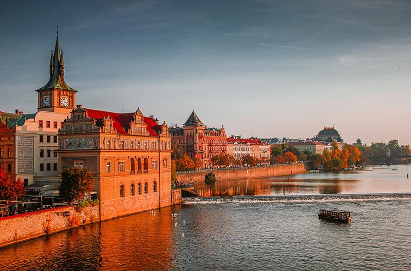 Мэрия Праги собирается ограничить аренду через Airbnb