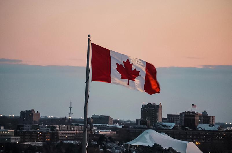 канада открыла границы